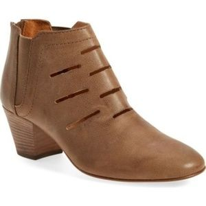 NEW Aquatalia Mushroom Leather Freida Ankle Boot 9